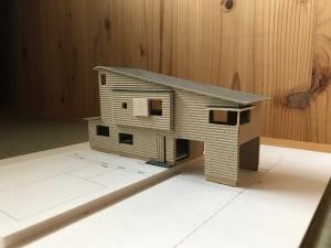 住崎スキップフロアの家